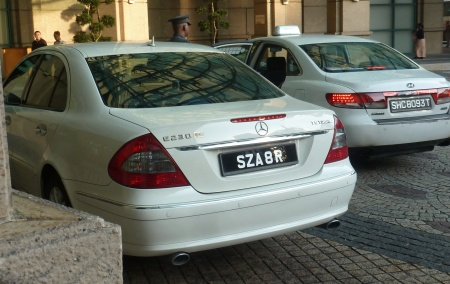 We have believed that the special series for hire cars, SZ and SZA, had been long abandoned.   But now e find SZA 8 R, from the  current series on a chauffeur-driven/livery Mercedes, outside the Copthorne Waterfront hotel.   When questioned the driver claimed it was just a standard plate issued alphabetically in the normal series, but we know that Singapore is nowhere near 'S' inits alpha issue.   So perhaps there are a few (note this is only car 8) special-category registrations continuing to use the SZ prefix.     This was the only example seen.     (Brumby archive 2013)