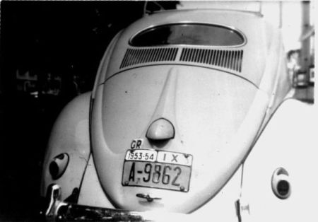 A-9862Another mighty rare on-car picture of the 1952-55 Greek plates, from Athens, from Paul  Lommerse.    These had yellow plates, akin to the American style/size.