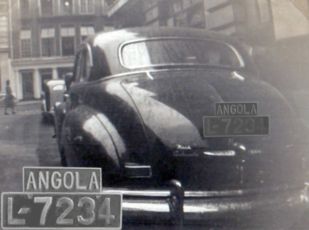 L-7234 shot by EU83 in the 1940s, when the international oval for Portuguese West Africa (Angola) was PAN, but the oval was never seen and cars bore the P oval when abroad.    This owner had a separate alloy nameplate cast - great!     The image was almost illegible, but the clever manipulation of Antonio in Barcelona recovered this good picture.