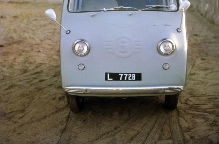 We cannot resist adding another of Bernt's Aden pictures, because it is carried by a most unlikely vehicle for the tough conditions in the Yemen area, This is a very rare Goggomobil TL van, more info on which is found at: en.wikipedia.org/wiki/Goggomobil