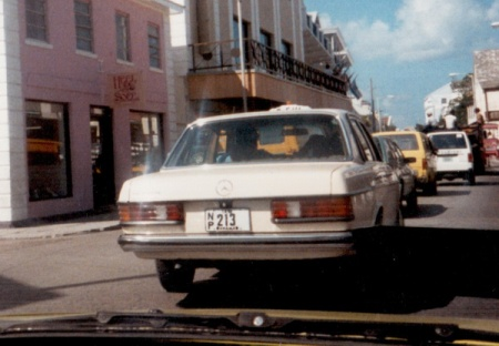 The former colours for Livery plates from the 1970s to 1995, were black-on-white.     This Mercedeswas phot'd in Nassau in 1986.           Brumby archive 1986