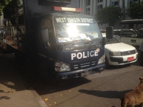 bur-2013-napidaw_6h-9883_police-lorry-2017vb