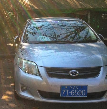 bur-2013comv-txi-tourist-yangon_8h-6379-2017vb