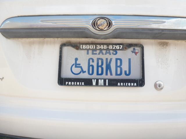 (USA-Tex)(disabled)_68KBJ_(bl.w)_Chrysler SUV.Roatan2017VB